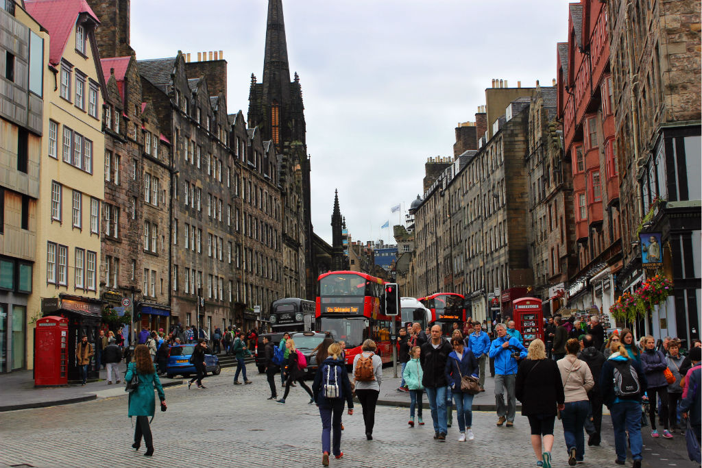 View up the royal mile to the Edinburgh castle first stop on 1 day in Edinburgh with kids.