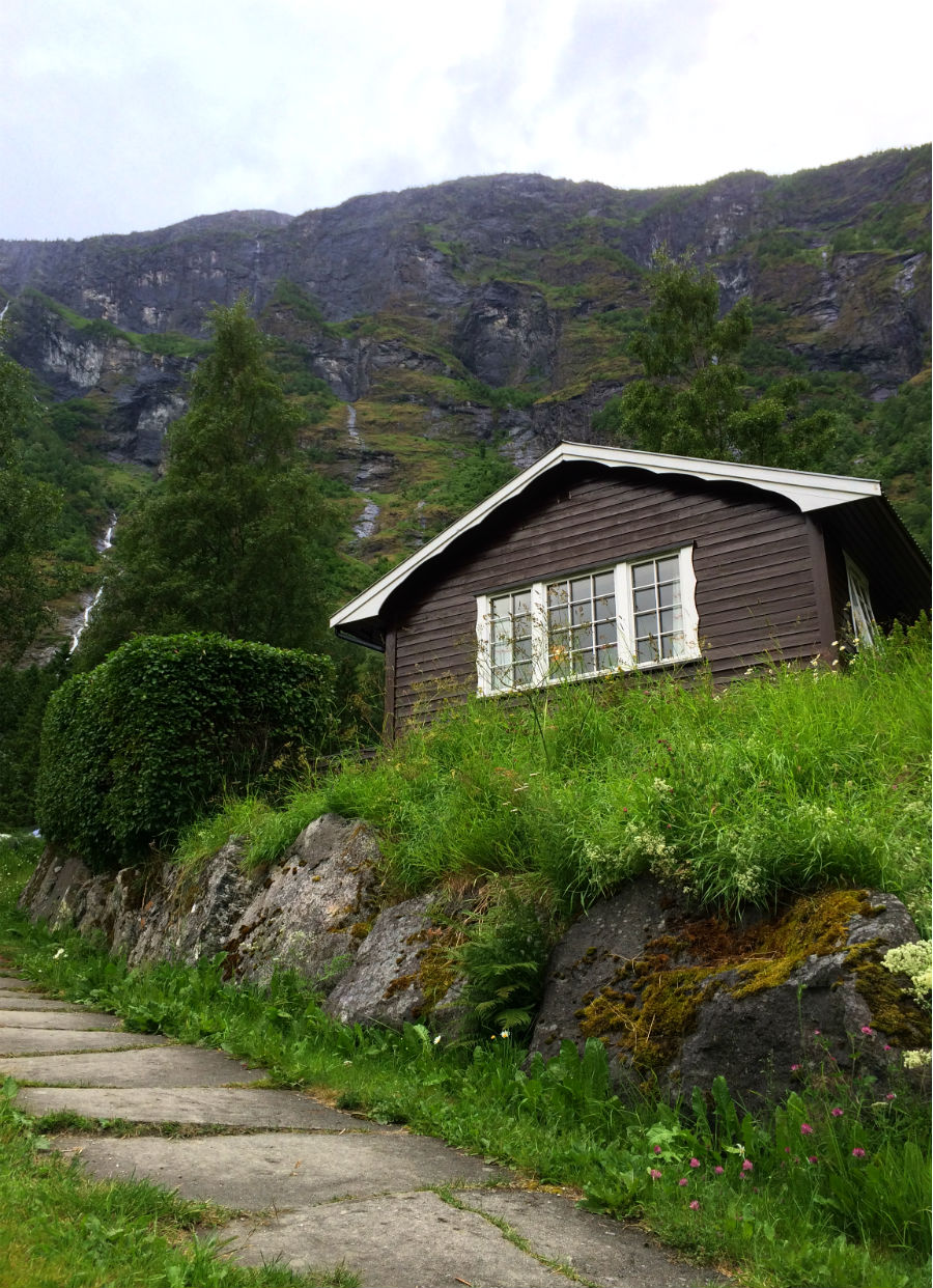 Norway with kids. An overnight stay in a Cabin in Flam is perfect for breaking up the journey when travelling with Children.