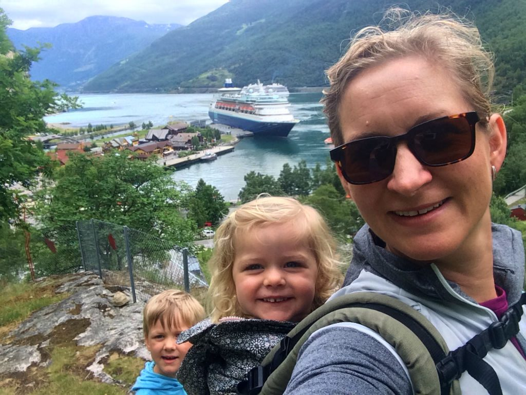 Norway in a nutshell with a baby. How to book and plan your adventure to Norway.