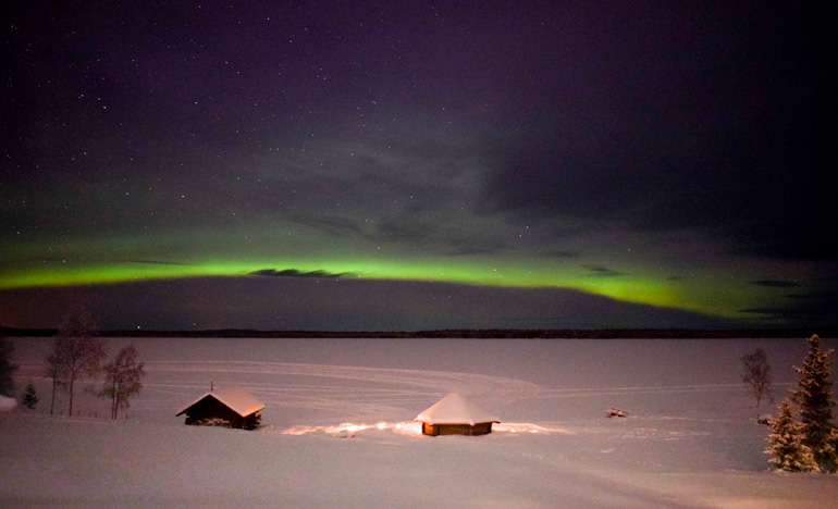 Northern lights winter activities
