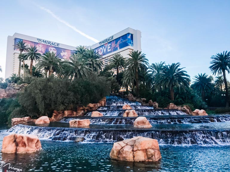Visiting the Mirage fountains with a baby in Las Vegas