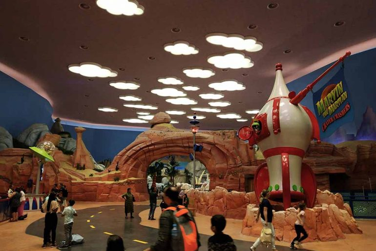 Warner Brothers World in Abu Dhabi with kids