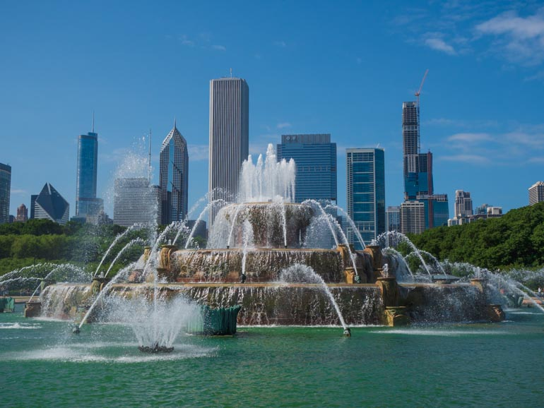 Buckingham fountain on a family trip to Chicago.